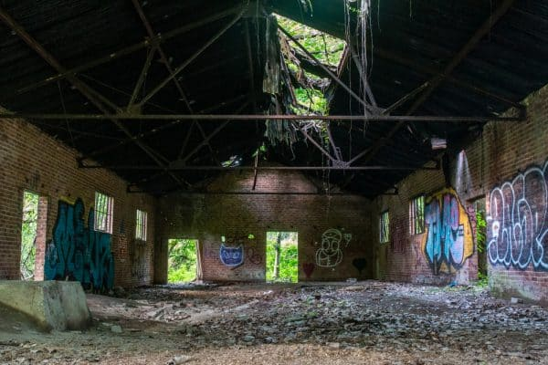 Abandoned building on the Dennings Trail in Beacon New York