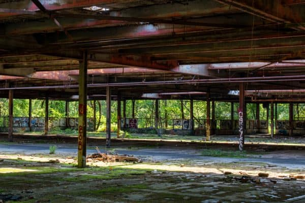 Abandoned ruins of Dennings Point Brick Works