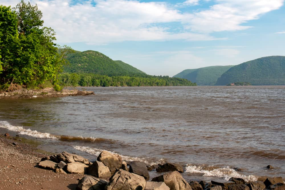 Hiking at Dennings Point in Hudson Highlands State Park