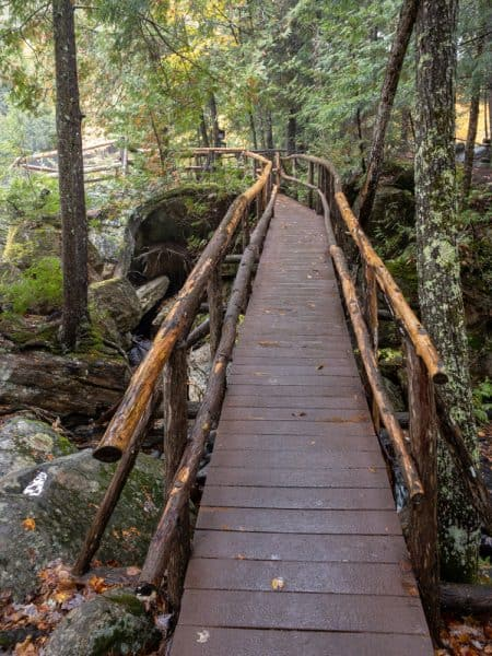 Self guided trail at the Natural Stone Bridge and Caves