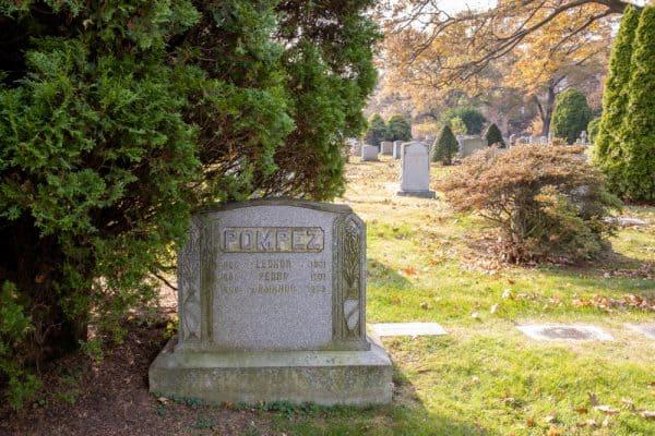 Grave of Alex Pompez in Woodlawn Cemetery