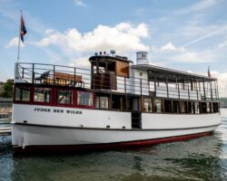 Taking a Skaneateles Lake Sightseeing Cruise with Mid-Lakes Navigation