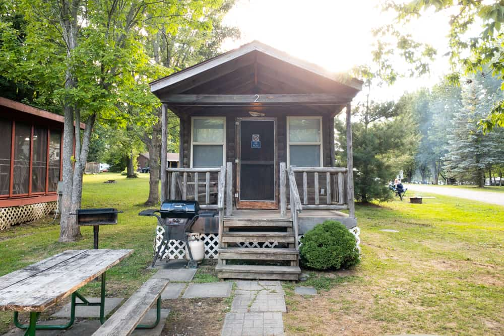 A cabin at Lake Bluff Campground near Chimney Bluff State Park