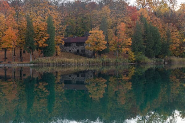 Fall in Green Lakes State Park