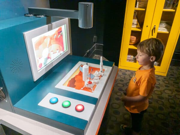 Child at the Buffalo Museum of Science in Buffalo New York